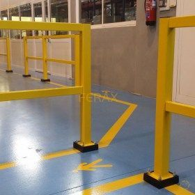 Barrera peatonal con base flexible (opcional)